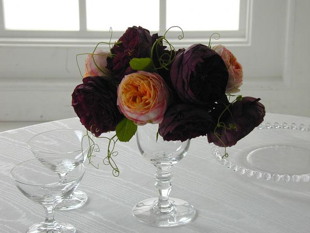 BEST FLOWER ARRANGEMENT掲載 イングリッシュローズのグラスアレンジメント
