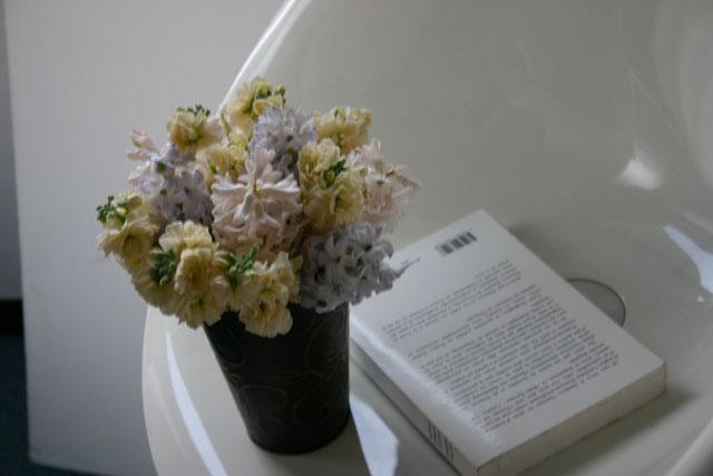 BEST FLOWER ARRANGEMENT掲載 ヒヤシンスのニュアンスアレンジメント